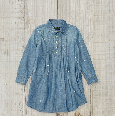 Long-sleeve denim shirtdress with a buttoned placket.