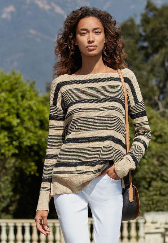 Lightweight sweater with stripes of various widths