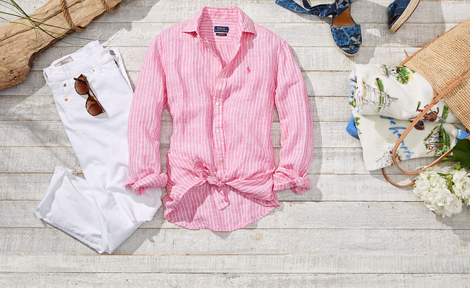 White jeans, pink striped linen shirt & more summer travel essentials
